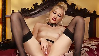 Solo girl stands in a black lingerie and provides superb scenes