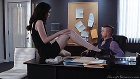 Sex-starved secretary Evelyn Claire spreads legs in front be worthwhile for her young brass hat